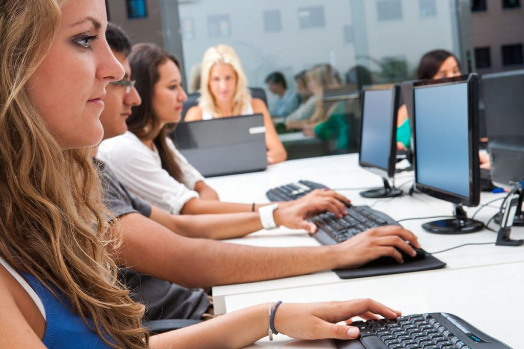 How Businesses Benefit From Employees Taking Professional Development Courses
